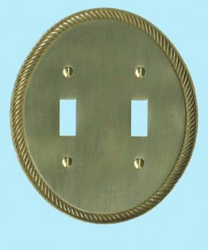<PRE>Solid Brass Switchplate Double Toggle Oval Braided </PRE>zoom2
