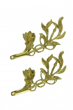 <PRE>Vintage Pair Vine Curtain Tie Back Holder Bright Brass One up One Down</PRE>zoom6