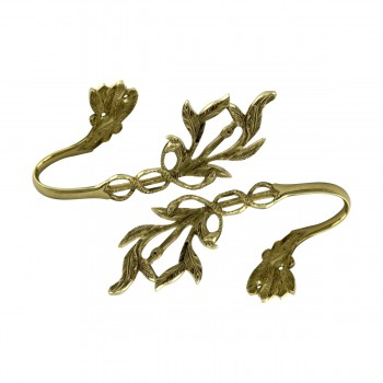 <PRE>Vintage Pair Vine Curtain Tie Back Holder Bright Brass One up One Down</PRE>zoom9